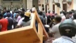 Eerste beelden tonen ravage na de aanslagen in Sri Lanka