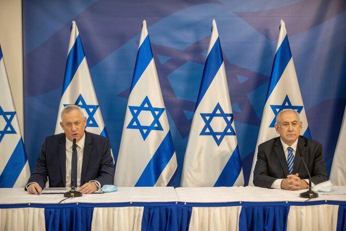 Minister van Defensie, Benny Gantz, en premier Benjamin Netanyahu.