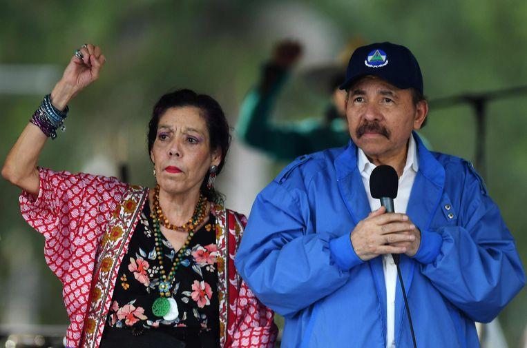 President Daniel Ortega en zijn vrouw, vicepresident Rosario Murillo. Beeld AFP