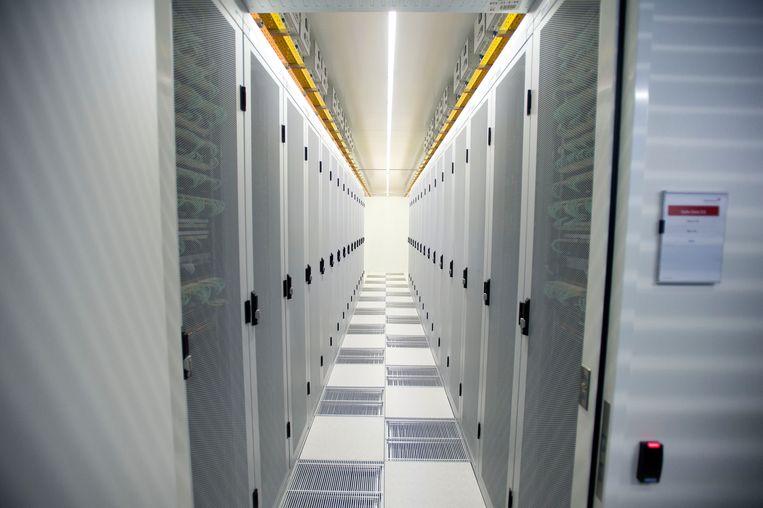 Serverruimte van de Amsterdam Internet Exchange, een van de belangrijkste internetknooppunten ter wereld. Beeld ANP