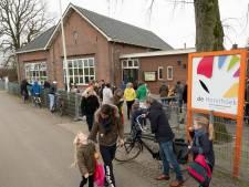 Ouders basisschool De Horsthoek in Heerde geloven niet in verplicht verhuizen
