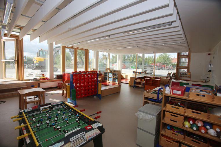 De recreatieruimte met voetbaltafel en 'vier op een rij'.
