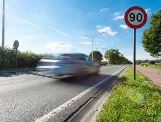 Politie trekt rijbewijs in van chauffeur die 84 kilometer per uur te snel reed