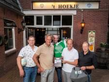 FC 't Hoekje in Oldenzaal heeft nooit op omvallen gestaan: 'Maar we moeten wel vernieuwen'