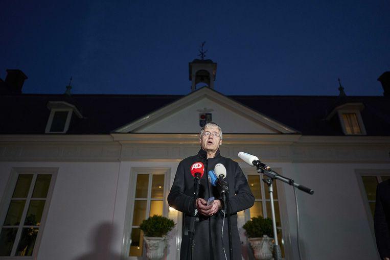 Demissionair minister Arie Slob geeft een toelichting na het overleg in het Catshuis.  Beeld ANP