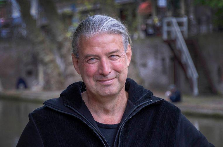 Stadsconservator René de Kam constateert dat het Utrechtse wervengebied kampt met achterstallig onderhoud, schimmelige muren en scheuren.  Beeld Werry Crone