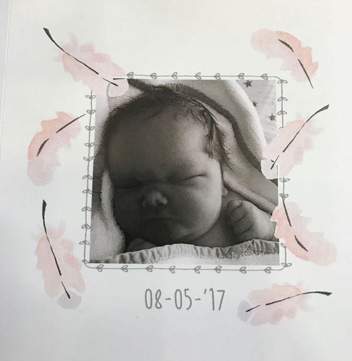 Het geboortekaartje van Hayley.