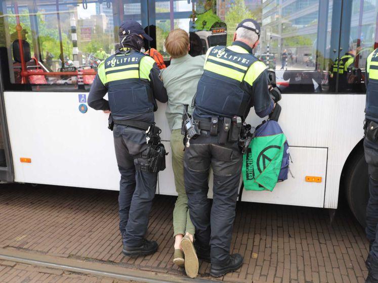 Wegblokkerende demonstranten aangehouden bij Malieveld