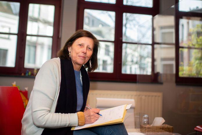 """Ingrid De Jonghe (TEJO): """"Het vaakst komen tieners naar ons toe omdat ze relatieconflicten hebben met ouders, leerkrachten of vrienden."""""""