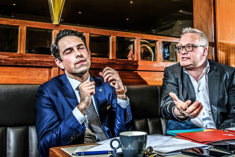 Tom Van Grieken (Vlaams Belang) en Peter Mertens (PVDA). Beeld Humo / Geert Van de Velde
