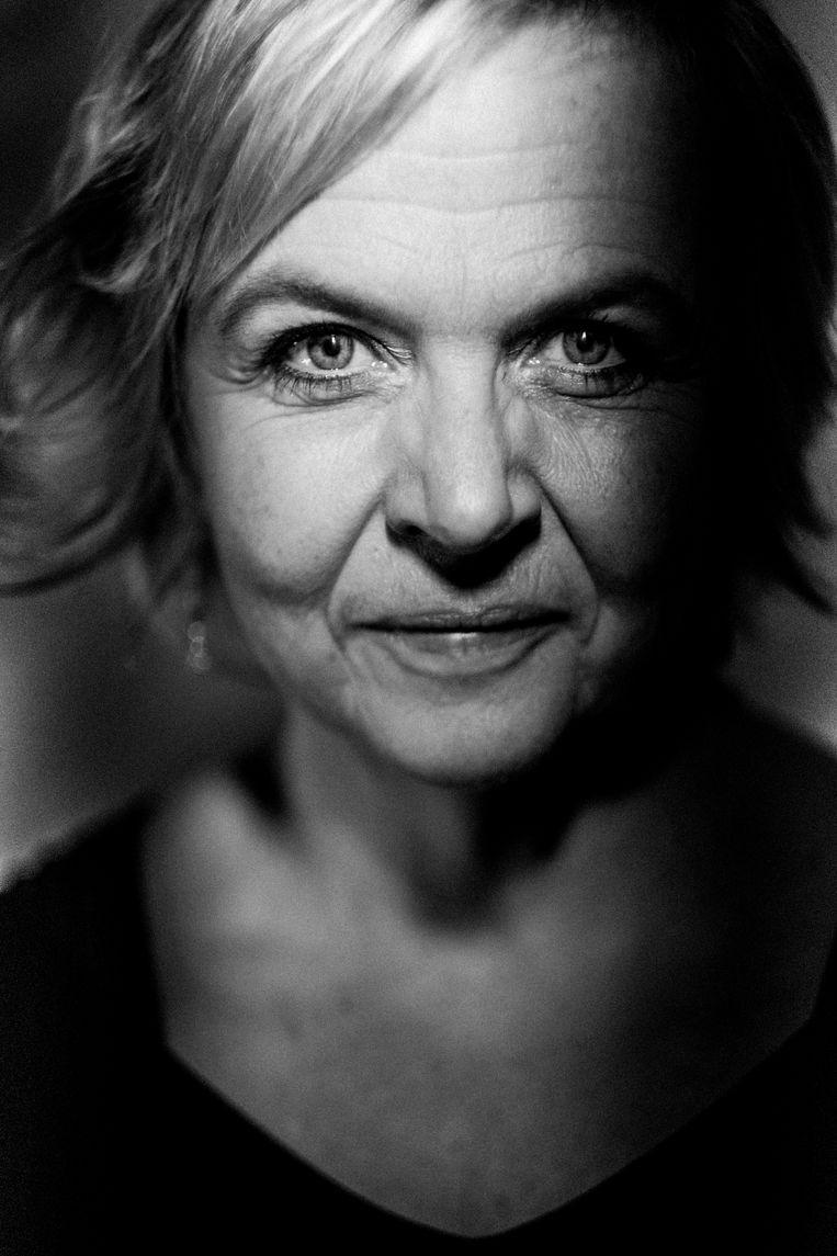 """Annemie Struyf: """"Diep in elk van ons schuilt een verlangen om ooit eens op een of andere plek het roer om te gooien."""" Beeld Stefaan Temmerman"""