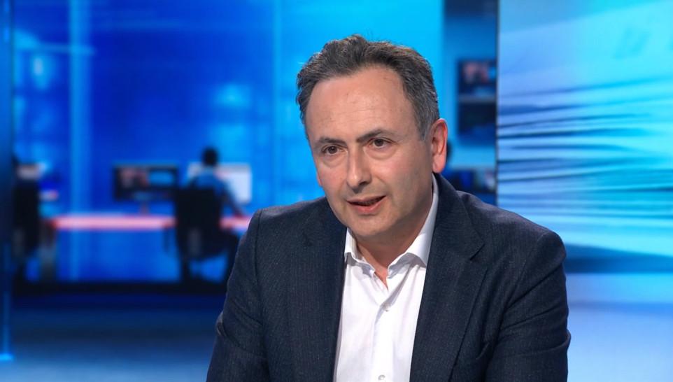 VTM NIEUWS-journalist Faroek Özgünes.