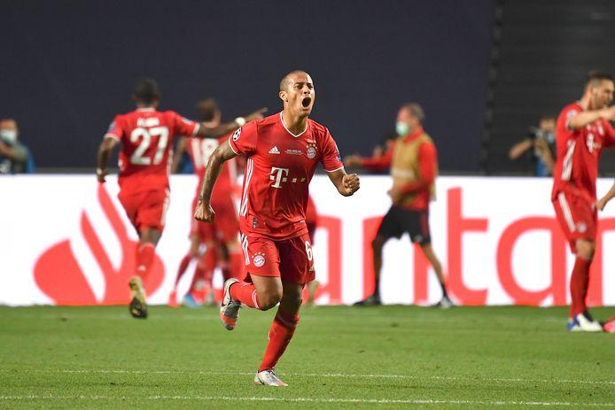 Vreugde bij Thiago Alcántara, de absolute uitblinker aan de kant van Bayern München.