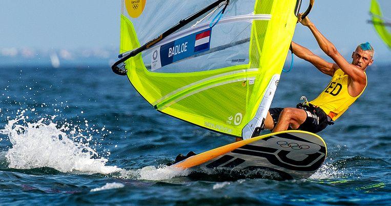 Kiran Badloe tijdens de Medal Race. Hij wint goud.  Beeld Klaas Jan van der Weij