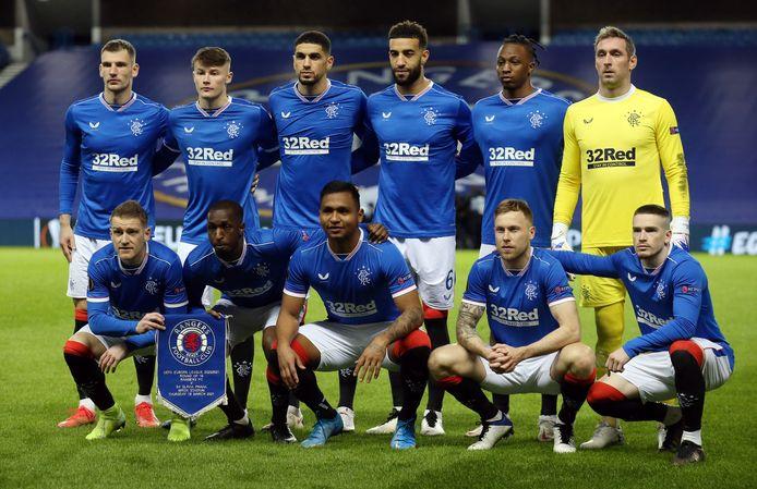 De spelers van Rangers poseren voor de EL-wedstrijd tegen Slavia Praag.