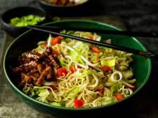 Wat Eten We Vandaag: Knoflooknoedels met pittige tempeh