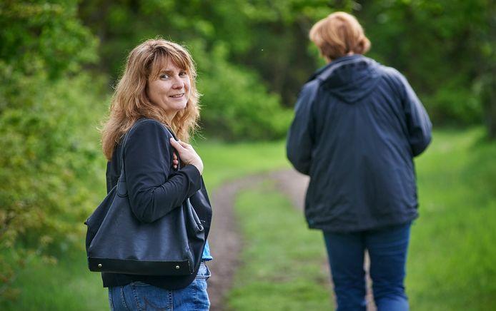 Burgemeester Marieke Moorman van Bernheze wandelde de afgelopen weken regelmatig met inwoners om te horen hoe het met hen gaat.