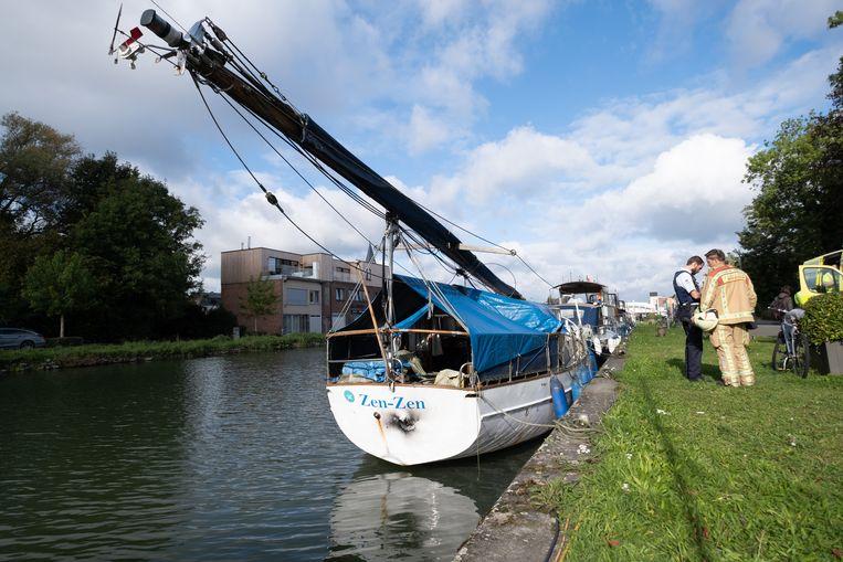 MECHELEN Brand op een boot aan de Hanswijkvaart