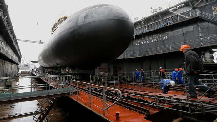 De onderzeeër Rostov-on-Don bij zijn tewaterlating in juni van vorig jaar.