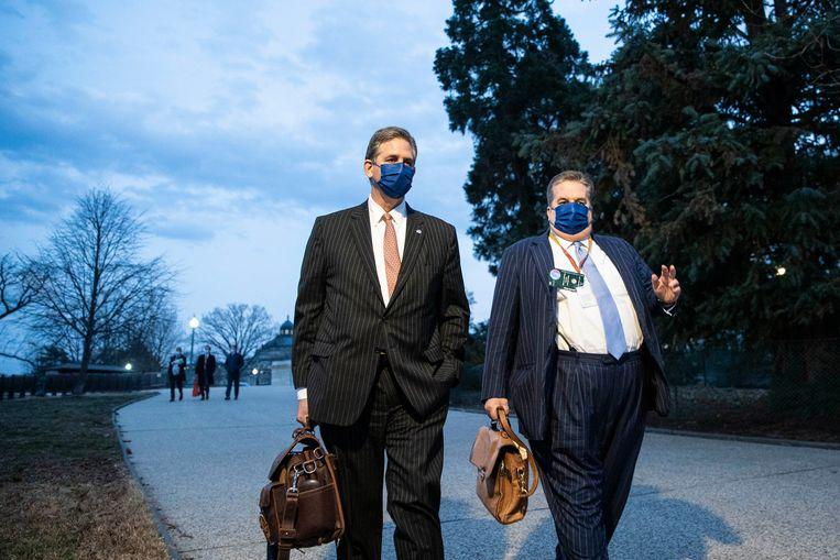 De advocaten van Donald Trump. Bruce Castor (links) kon, volgens bronnen rondom Trump, rekenen op veel kritiek van de voormalig president. Beeld Getty Images