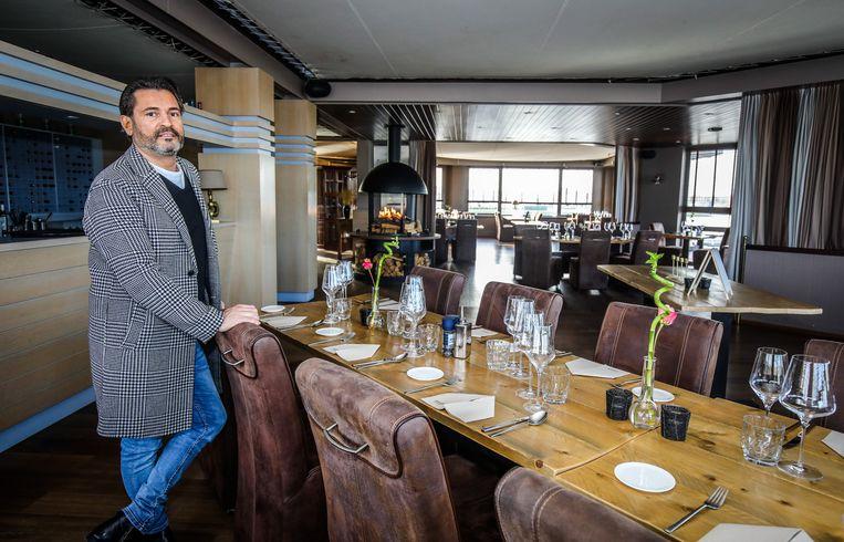 Danny Verhaeghe in het gastronomisch restaurant Galjoen Rest'Ooh, waarover hij de leiding neemt.