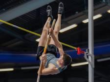 Polsstokspringer Beuckens ziet medaille bij NK indooratletiek als aangename verrassing