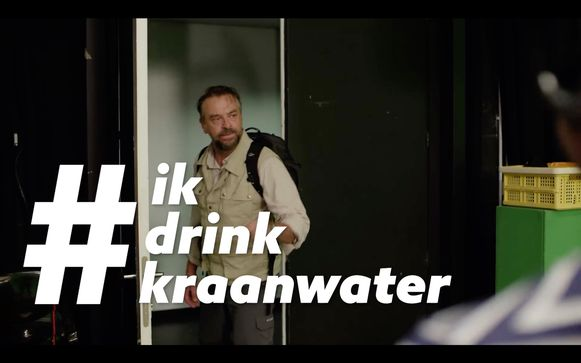 Tom Waes is één van de gezichten van de campagne #ikdrinkkraanwater.