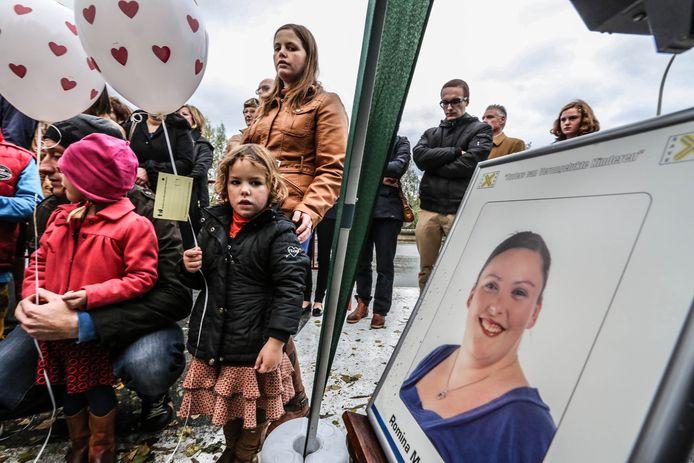 Ter nagedachtenis aan Romina Malfrère werd op de plaats van het ongeval een SAVE-bord onthuld.