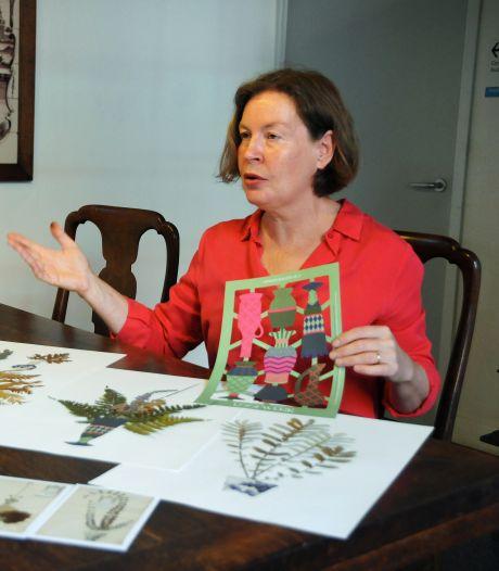 Mariette Kamphuis blaast het stof van driehonderd jaar oud herbarium: Gedroogde bloemen zijn weer helemaal hip