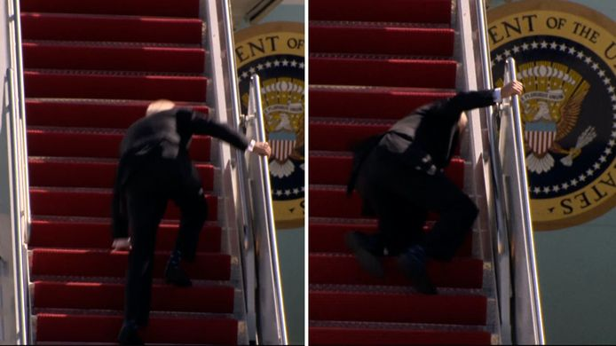 De Amerikaanse president Joe Biden had vrijdag wat problemen om zijn vliegtuig in te stappen. Biden struikelde meerdere keren voordat hij zichzelf herpakte en de Air Force One inliep.
