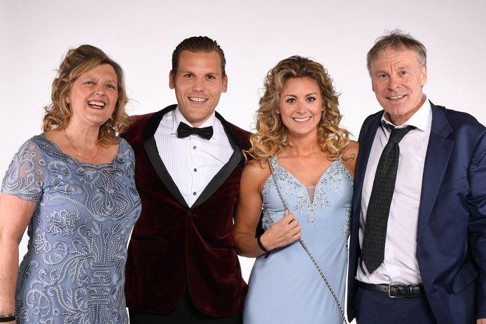 Ruud Vormer met zijn schoonouders, Hans en Yvonne America.