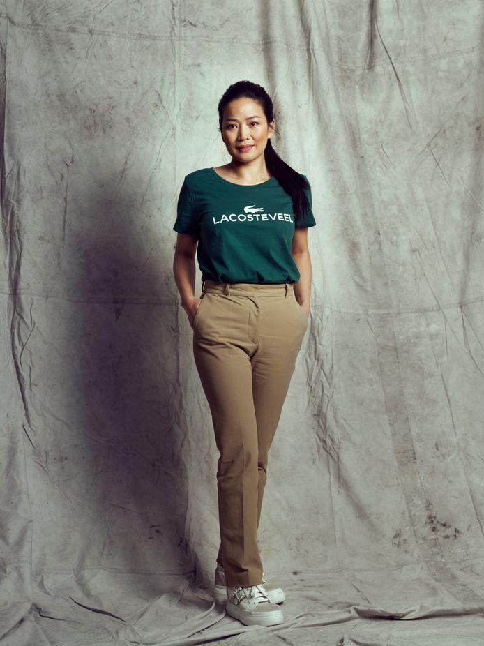 Horeca-ondernemer Eveline Wu is één van de bekende persoonlijkheden in de campagne van de Kledingbank.