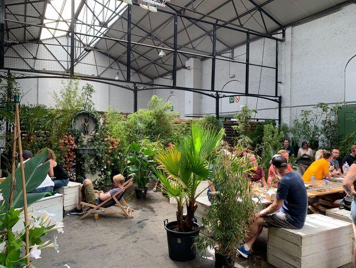 De urban jungle met Manneken Pis.