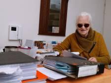 Riemke (74) uit Terborg is bijna blind en nu krijgt zij  minder hulp thuis, gemeente vindt dat ze het zelf kan
