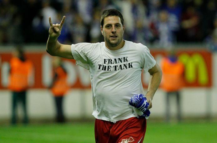 'Frank the tank' ontpopte zich tot strafschopheld door twee elfmeters van Club te stoppen.