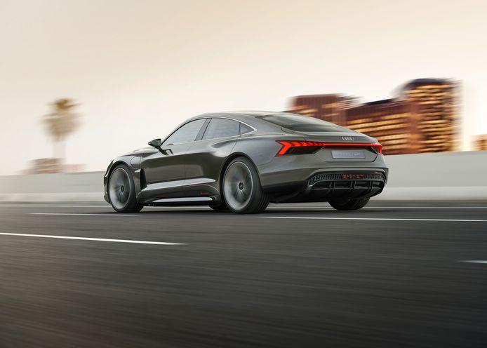 De e-tron GT (op Porsche Taycan-basis) komt in 2020