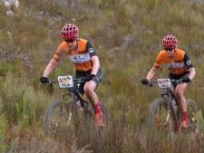 Van der Breggen oppermachtig in zwaarste mountainbikerace ter wereld