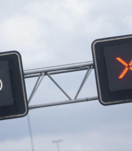 Ongeval met bestelbus op A58 in Breda: rijstrook richting Tilburg korte tijd dicht