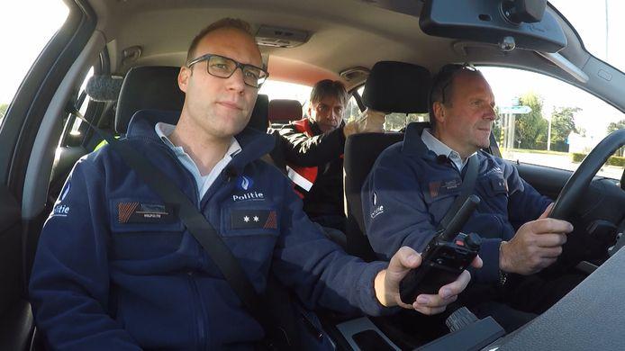Luk Alloo in de auto bij Yann en Francis