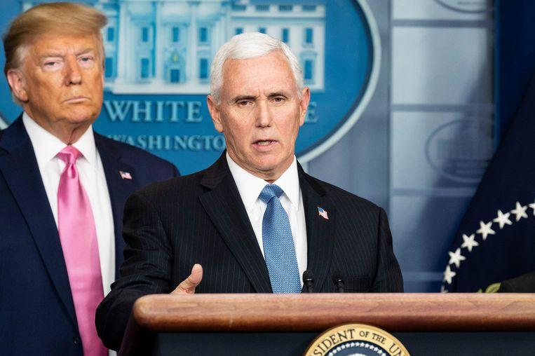 De Amerikaanse vice-president Mike Pence, samen met president Trump, gisteren tijdens een speciale persconferentie over het coronavirus in het Witte Huis.