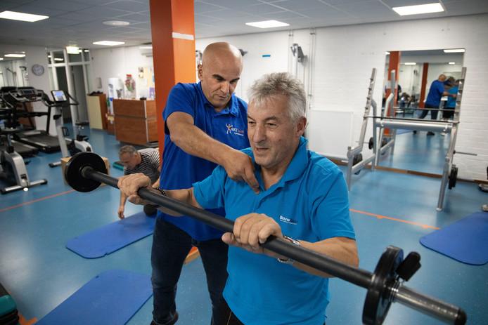 Frans van den Baar heeft een heupprothese en heeft veel geïnvesteerd in zijn herstel. Nog steeds traint hij wekelijks bij Art Health Fysio.