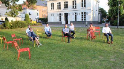 Geen vrees voor vandalisme of diefstal: Maldegem zet losse stoelen in Sint-Annapark