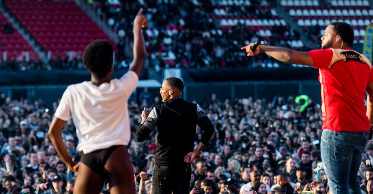 Broederliefde tijdens het concert Broederliefde & Friends in het Sparta Stadion Het Kasteel. Beeld ANP Kippa