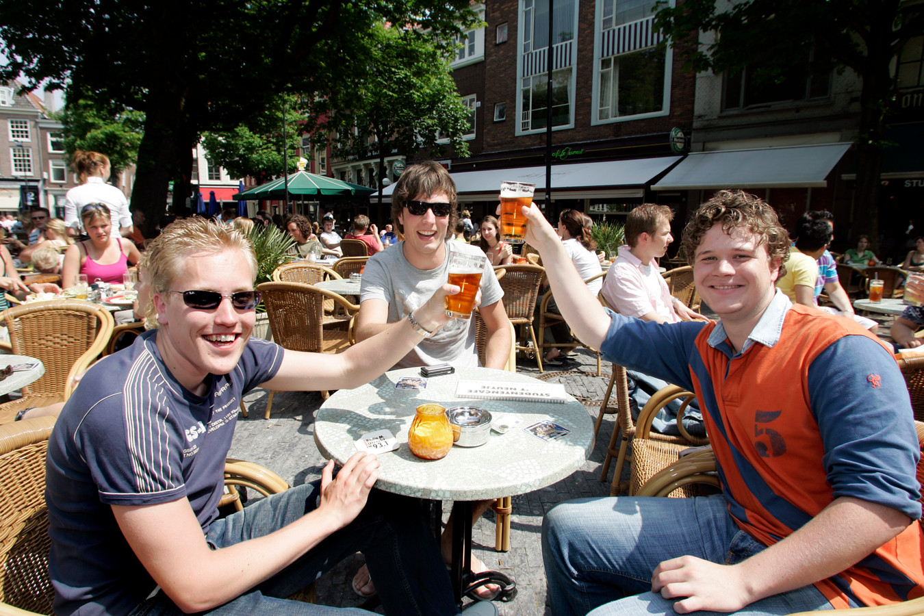 Volgende week kunnen we eindelijk weer een biertje doen op de Neude.