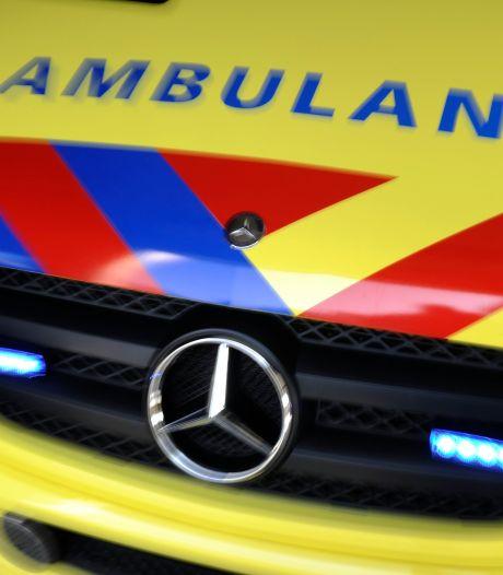 Motorrijder naar het ziekenhuis na botsing op de Gorcumse Newtonweg