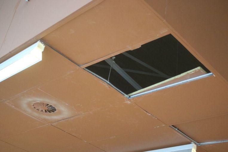 Het plafond werd opengehaald.