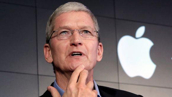Tim Cook, CEO van Apple, wil geen commentaar geven op de geruchten over een autoproject.