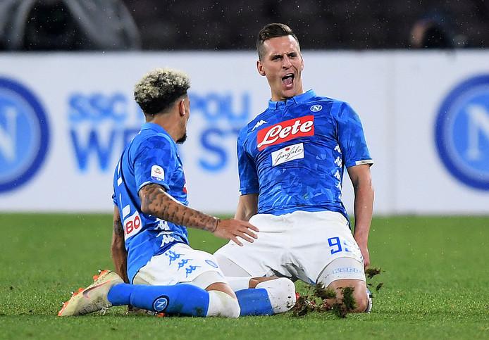 Arek Milik juicht na de 2-0 tegen Lazio.
