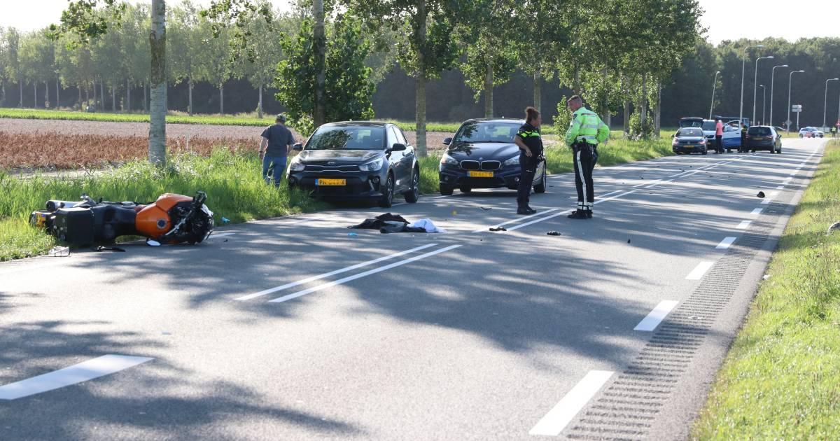 Motorrijder uit Kampen zwaargewond na ongeval tussen Urk en Nagele.