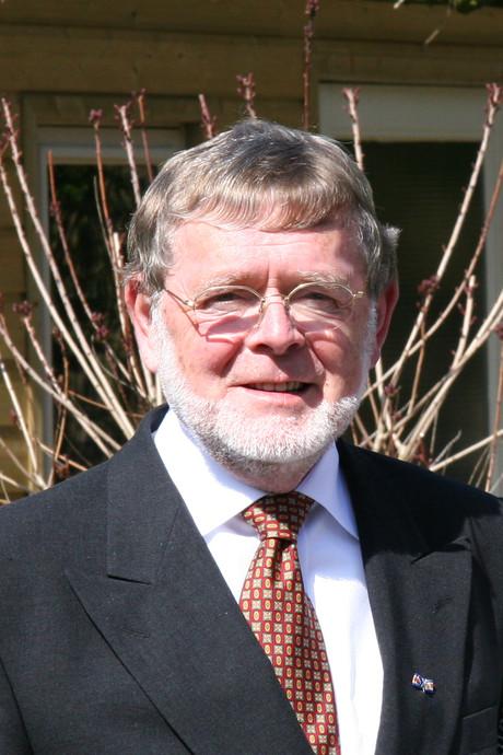 Schaijkse oud-wethouder Nico van den Bergh overleden